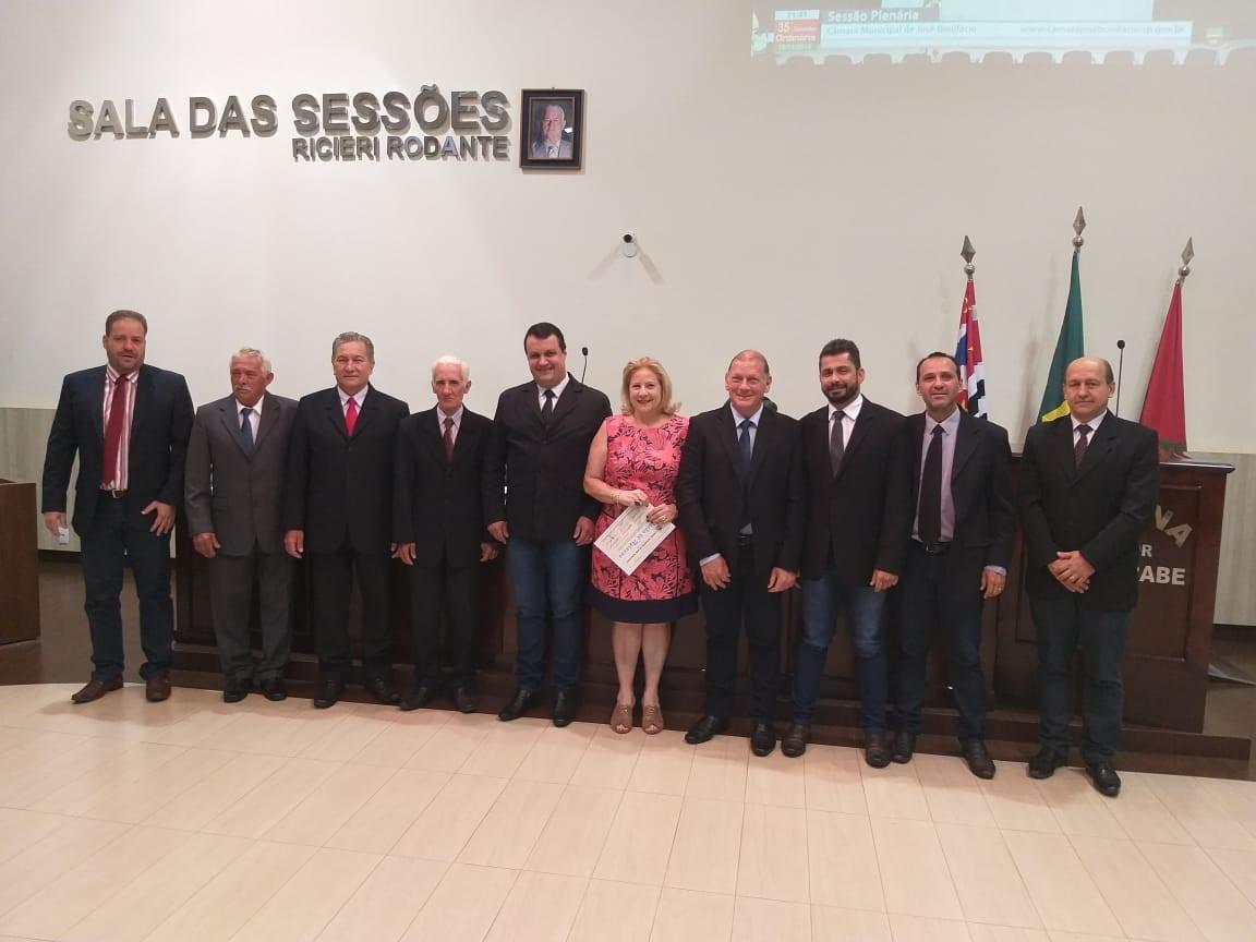 Dra. Edircélia Bigatão Souza recebe Moção de Aplauso do Poder Legislativo