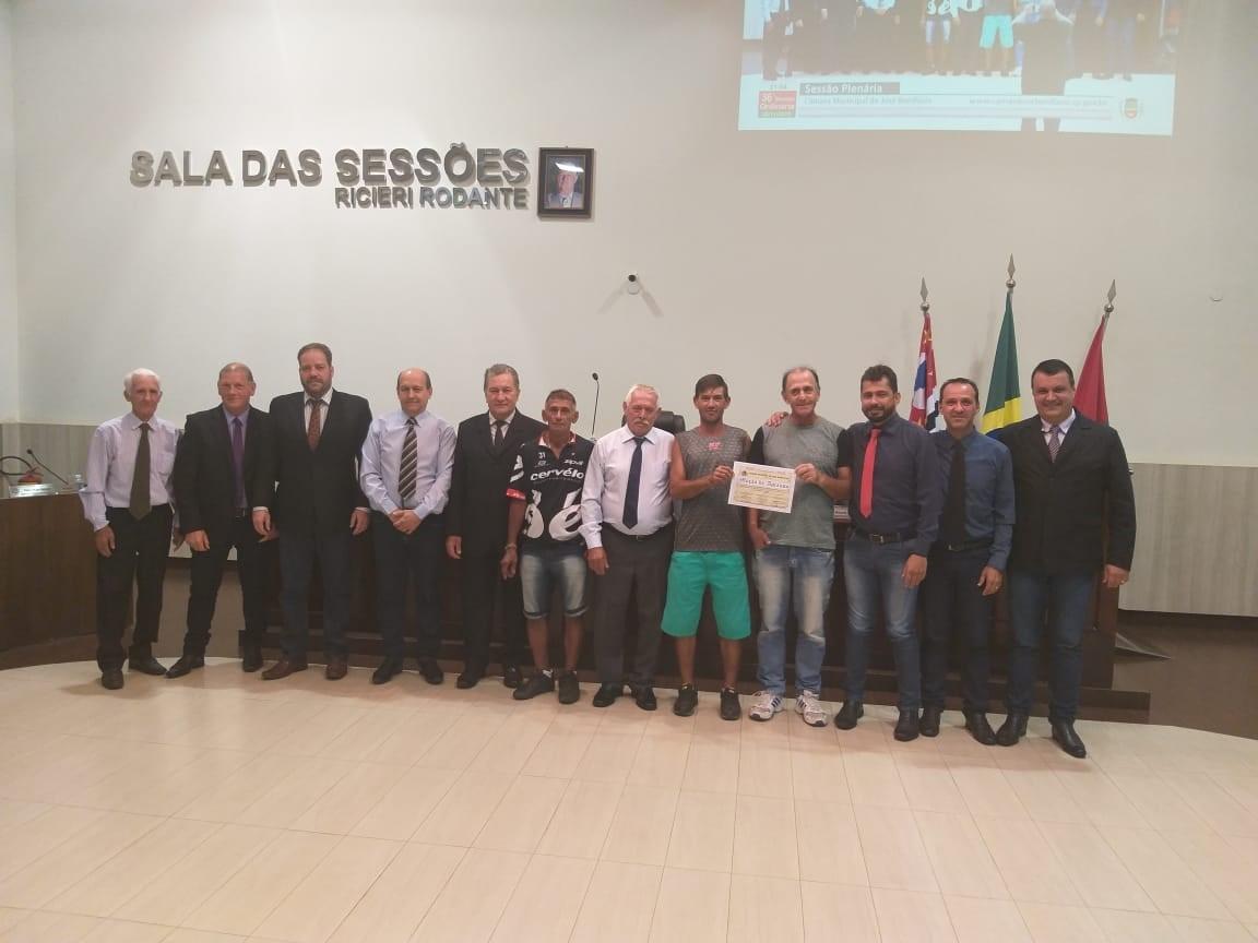 Câmara concede Moção de Aplauso aos coletores de lixo de José Bonifácio