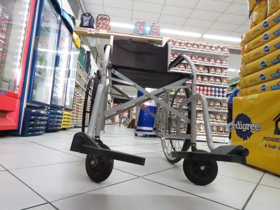 Vereadores aprovam Projeto de Lei que obriga supermercados a possuirem cadeiras de rodas para idosos e portadores de deficiência física
