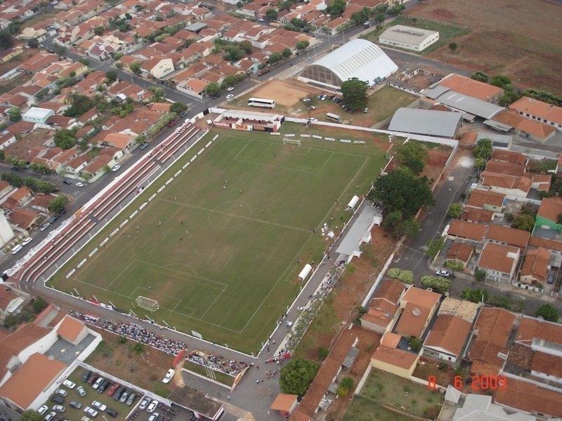 Vereadores pedem melhoramentos em todos os campos de futebol do município