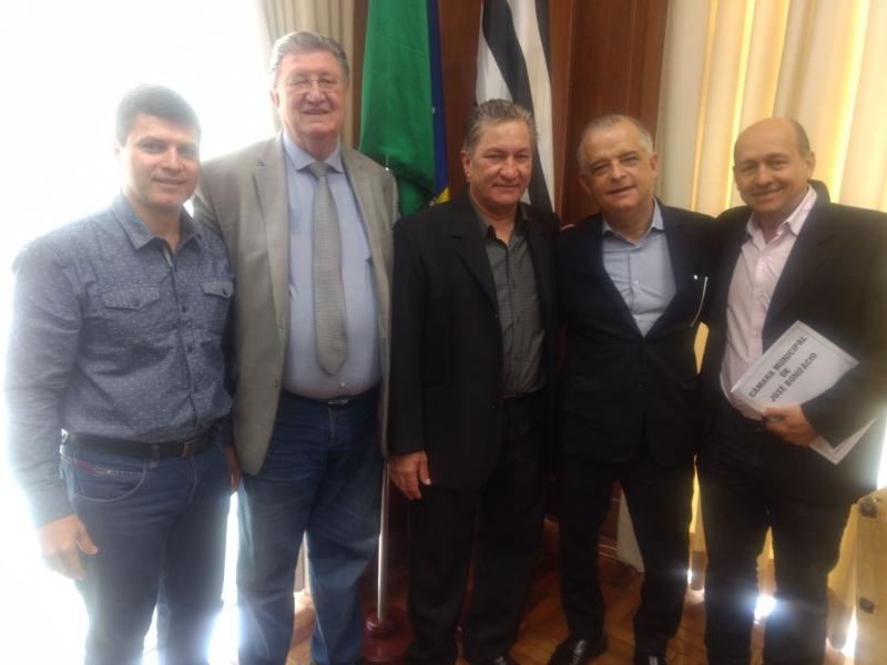 Vereadores visitam vice-governador em busca de recursos para o município