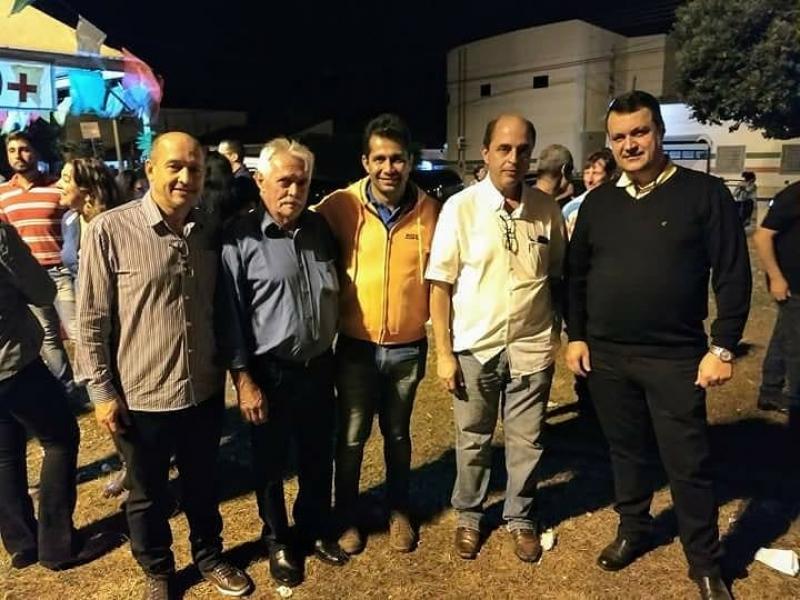 Vereadores e prefeito prestigiam festa no bairro Jardim Primavera