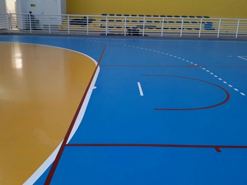 Vereadores pedem pintura de quadras esportivas nas creches e escolas municipais