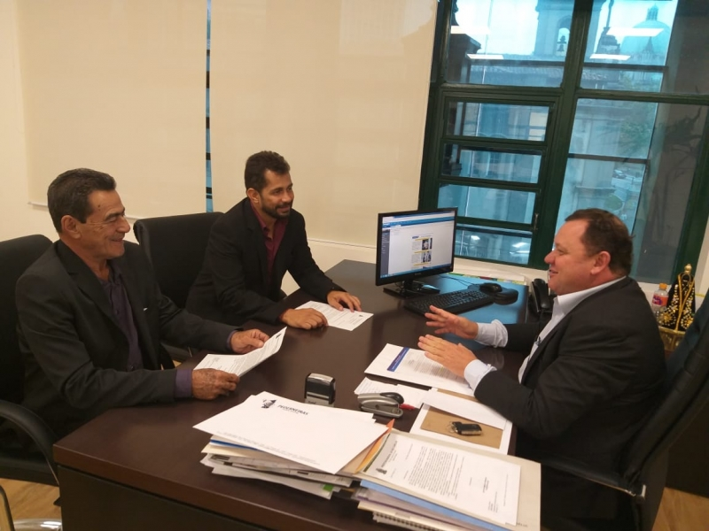 Vereadores Rafael Nizato e Hélio Zucareli visitam a Secretaria Estadual de Desenvolvimento