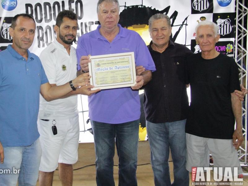Câmara concede Moção de Aplauso ao ex-goleiro Rodolfo Rodrigues