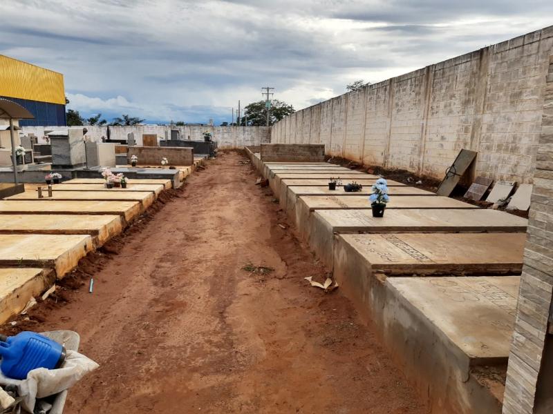 Vereador Adenilson Seron e demais vereadores indicam aquisição de terrenos próximo ao do Cemitério Municipal