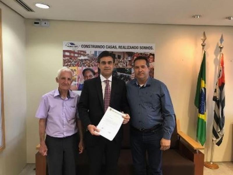 Vereador José Fachin visita Secretário Estadual e pede cumprimento de convênio para recapeamento da vicinal JB/Nipoã